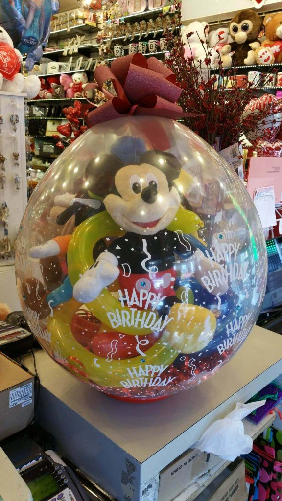 Mickey mouse gift in the round clear balloon