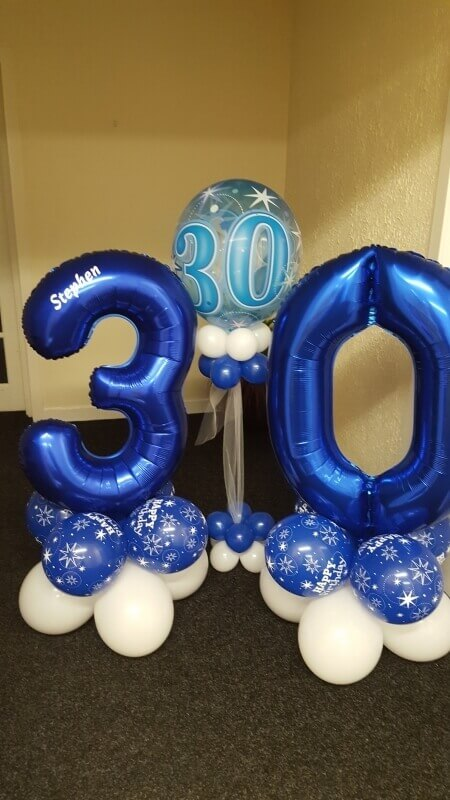 dark blue 30th big number balloon with blue and white latex balloons