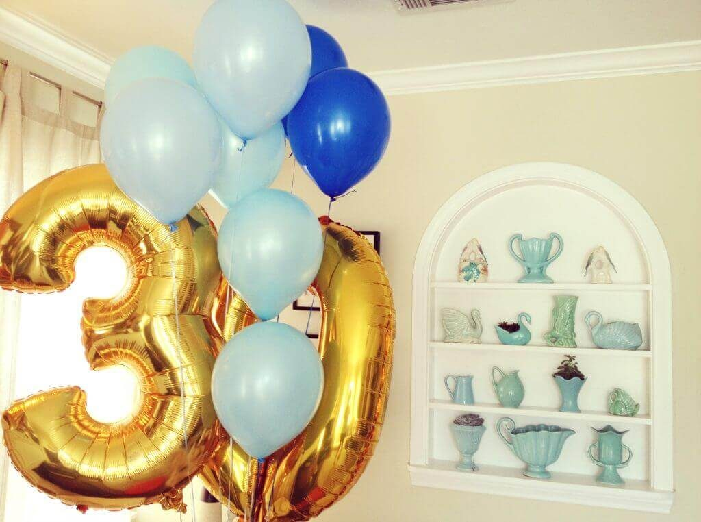 30th golden and teal balloons