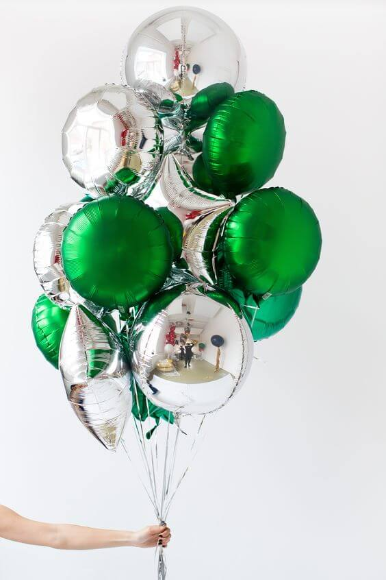 Round shape Mylar balloon in silver and green balloons bouquet New York