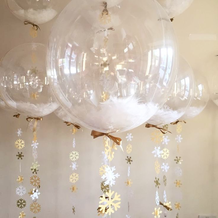 Clear snow flakes balloons for Christmas